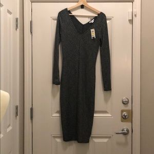 Midi dress, long sleeve, v-neck, body con